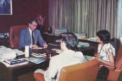 (1980) - Jorge Zajia y Zulay Socorro en diálogo abierto con uno de los directores principales de PDVSA, Humberto Peñaloza