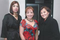 (2013) - En el marco del XV Congreso Colombiano de Petróleo y Gas, junto a Mireille Socorro y Ana Valbuena, Coordinadora y Asistente al Editor de Petroleum, respectivamente
