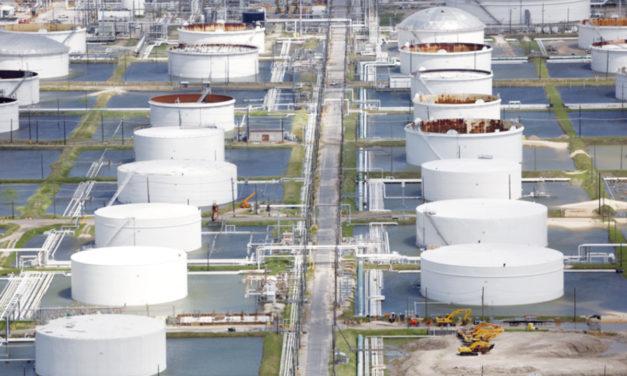 Impacto del huracán Harvey a la industria petrolera de EE.UU
