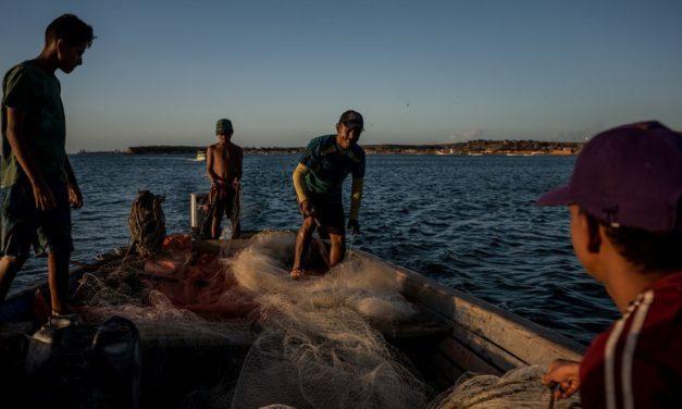 La lucha de los pescadores de Amuay contra el gigante petrolero venezolano