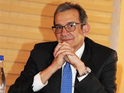 Luis Pacheco: Petróleo, colapso y redención